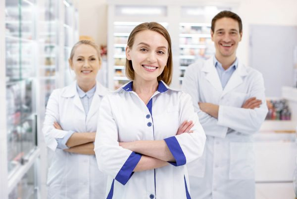calanna-whole-health-pharmacy-the-difference-between-your-doctor-and-pharmacist