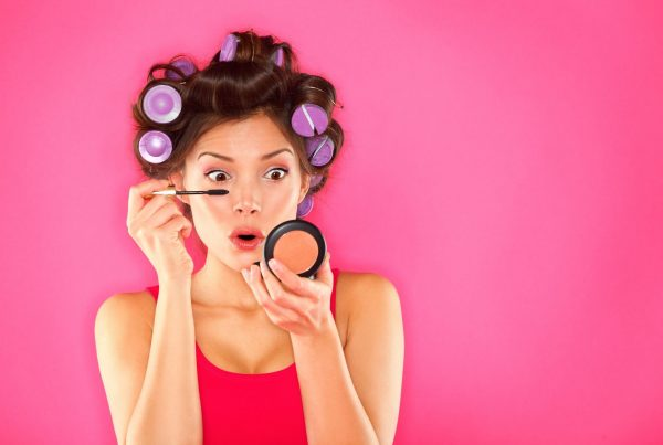 6 Signs of Expired Makeup